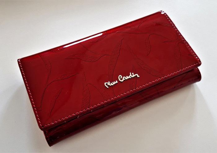 480029075e688 PORTFEL PIERRE CARDIN Portfel wykonany w 100 % ze skóry naturalnej bardzo  miłej w dotyku w czerwonym kolorze w eleganckim pudełku.Portfel .